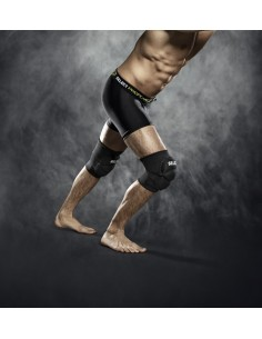 Elastic knee support woth pad